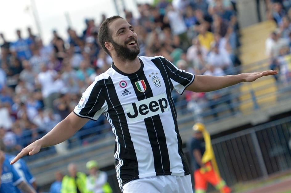 Ιγκουαΐν: «Δύσκολη απόφαση αλλά με έκανε χαρούμενο η αποχώρηση από τη Νάπολι» | Sportsking.gr