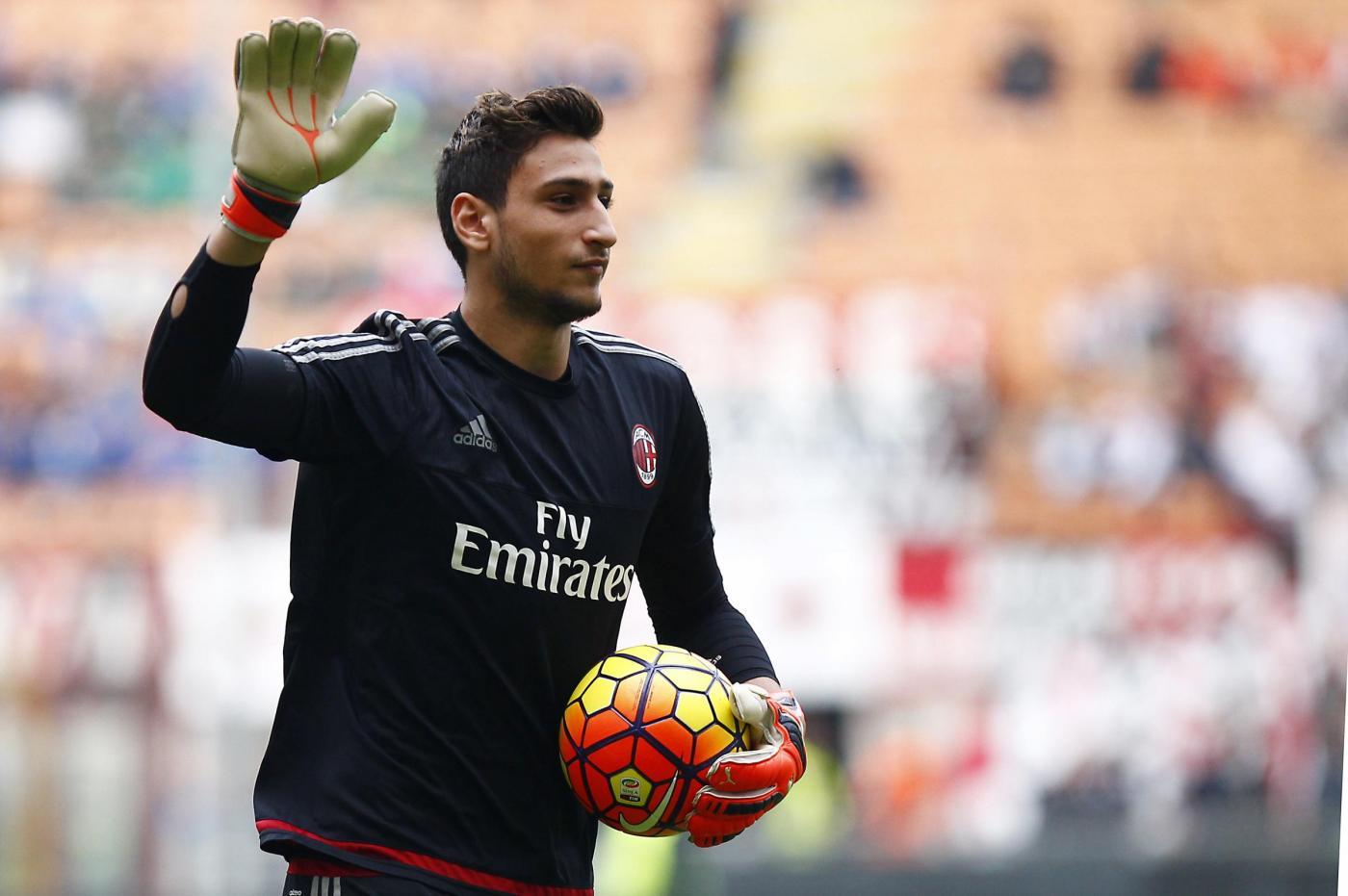 Ραϊόλα: «Απίθανο να φύγει ο Ντοναρούμα από τη Μίλαν» | Sportsking.gr