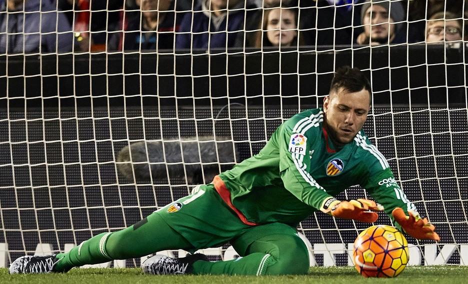 Όταν ο Ντιέγκο Άλβες έπιανε δύο πέναλτι στο ίδιο παιχνίδι (vid) | Sportsking.gr