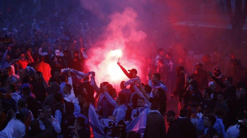 Χαμός και ξύλο πριν το Μαρσέιγ – Παρί (pics) | Sportsking.gr