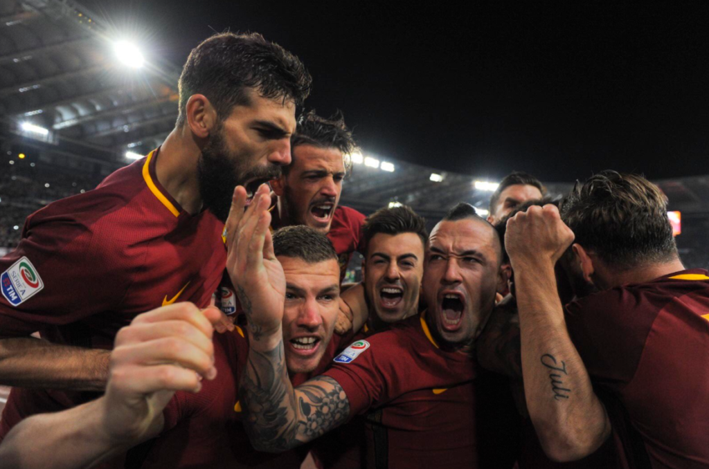 Έτσι… γλεντάνε οι «τζιαλορόσι»! (pic) | Sportsking.gr