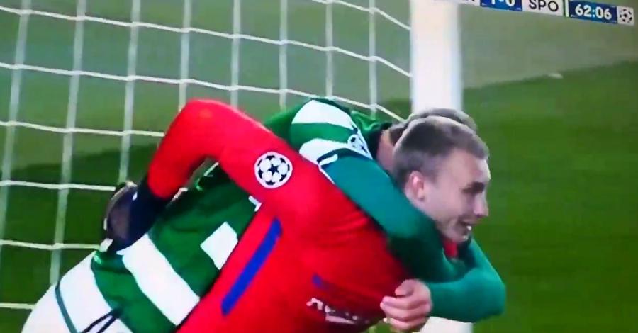 Ο Ντοστ έχασε το… άχαστο και πήρε αγκαλιά τον Σίλεσεν! (vid)   Sportsking.gr