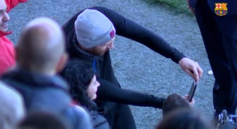 Ο Μέσι έβγαλε selfie με γυναίκα με αναπηρία και την έκανε ευτυχισμένη (vid) | Sportsking.gr