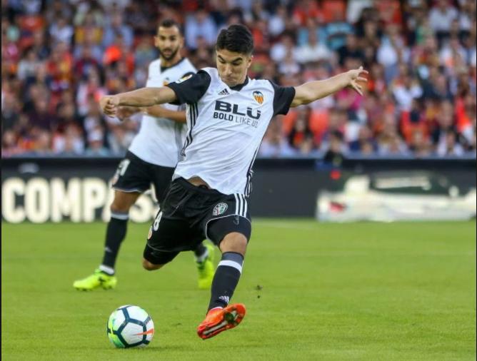 Γιουνάιτεντ και Ρεάλ «σκοτώνονται» για παίκτη της Βαλένθια | Sportsking.gr