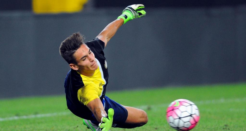 Χτύπησε ο Μέρετ, βασικός ο Καρνέζης | Sportsking.gr