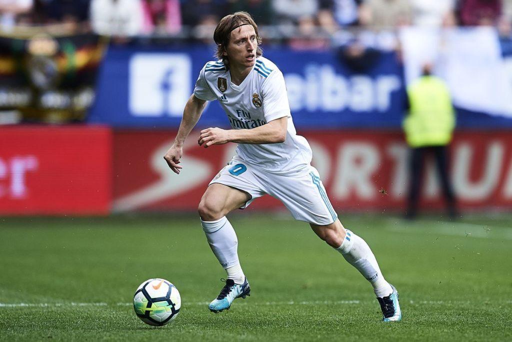 AS: «Ο Μόντριτς αποφάσισε να μείνει στη Ρεάλ» | Sportsking.gr