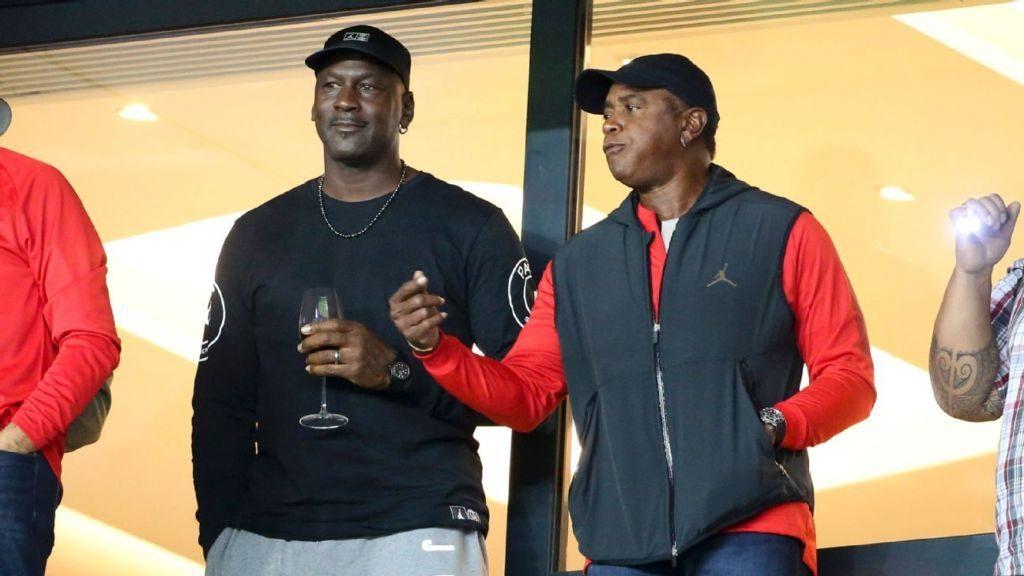 Άστραψαν τα φλας με Τζόρνταν στο Παρίσι (pic) | Sportsking.gr