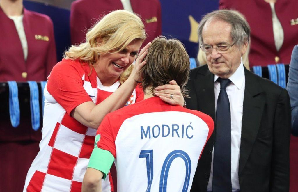 Συνεχάρη τον Μόντριτς η πρόεδρος της Κροατίας ! (pic) | Sportsking.gr